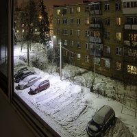Зимний дворик. :: Александр Белоглазов