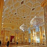 Добро пожаловать дамы  и  господа в Большой Дворец Царицыно ! :: Виталий Селиванов