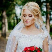 Невеста с букетом :: Слава Наумов