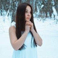 Девушка в лесу :: Юрий JockeR