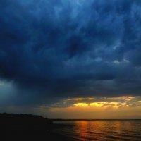 Озеро Иссык-Куль на закате :: GalLinna Ерошенко