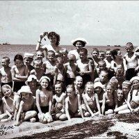 В пионерском лагере :: Нина Корешкова
