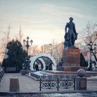 Памятник Пушкину в Ростове-на-Дону :: Сергей Кокотчиков