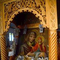 Икона в церкви. :: Оля Богданович