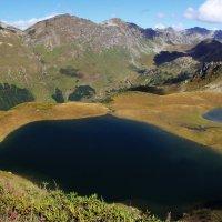 Горное озеро :: Виктор Козлов
