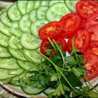 Нарезка свежих овощей :: Татьяна Пальчикова