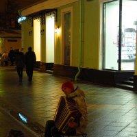 Вечерняя жизнь города :: Андрей Лукьянов