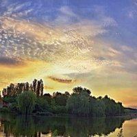 утро.солнце встает... :: юрий иванов