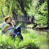девушка с венком из одуванчиков :: Анастасия Рогозина