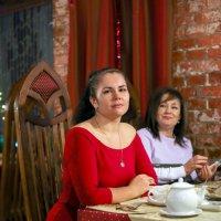 А ресторане... :: Женечка Зяленая