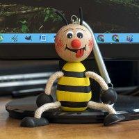Пчела :: Игорь Сикорский