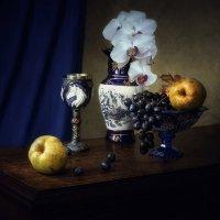 Натюрморт с китайской вазой :: Ирина Приходько