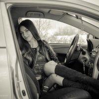 Лена и авто :: Андрей Мирошниченко