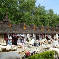 Сувенирный   рынок   в    Яремче :: Андрей  Васильевич Коляскин