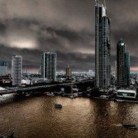 Тучи над Бангкоком :: Евгений Карский
