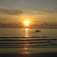 Закат на острове Ко Чанг. :: Лариса (Phinikia) Двойникова