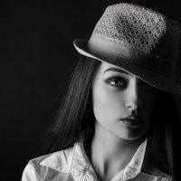Обитель женской красоты — Глаза Вселенной отраженье… :: Елена Данько