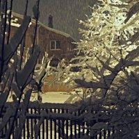 Зимний вечер....,падает снег. :: владимир
