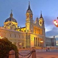 Вечер опустился на  Мадрид ! :: Виталий Селиванов