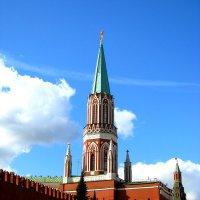Москва - центр. Никольская башня Кремля. :: Владимир Драгунский