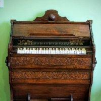 dominion organ, piano в доме Курлиной :: IURII