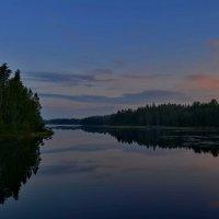Рассвет над озером Вахерярви... :: Владимир Ильич Батарин