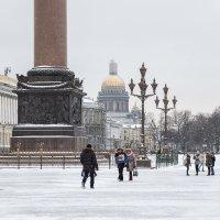 Вид на Исаакиевский собор с Дворцовой площади :: Андрей Илларионов