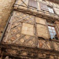 Сент-Эмильон. Ворота Каден.Старые стены :: Надежда Лаптева