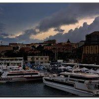 Дождливый вечер в Неаполе. :: Leonid Korenfeld