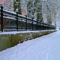 Красива в городе зима ... :: Евгений Юрков