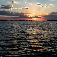 Горящие волны заката :: Иван