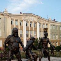 Трус, Балбес и Бывалый напротив Леонида Гайдая :: Виктор Мухин