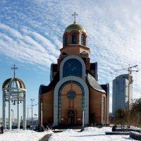 Храм у вокзала. :: Сергей Рубан