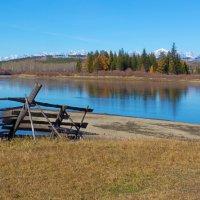 За плетнём река и осень :: Анатолий Иргл