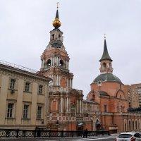 Церковь Петра и Павла, построенная по рисунку ПетраI и колокольня построенная при Елизавете Петровне :: Владимир Болдырев