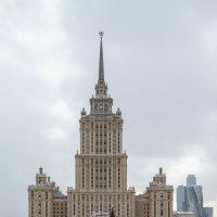 """гостиница """"Украина"""" :: igor-0875"""