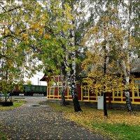 Осенний полустанок :: Leonid Rutov