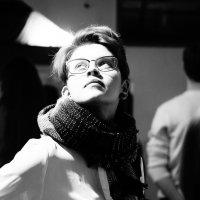 девушка в потоке света :: Дмитрий Потапов