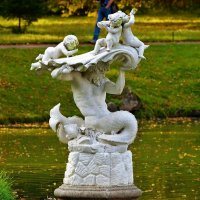 "Скульптура""Тритон спасающий детей""... :: Sergey Gordoff"