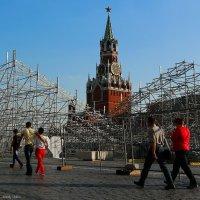 Красные по Красной :: Анатолий Шулков
