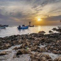 Закат на Средиземном море :: Alex Molodetsky