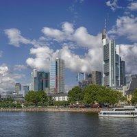 Frankfurt skyline :: Priv Arter