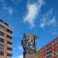 памятник рабочим завода имени Калинина :: Laryan1