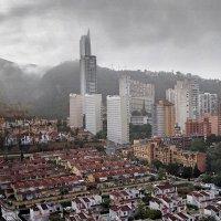 Бенидорм в дождь :: Виталий Авакян