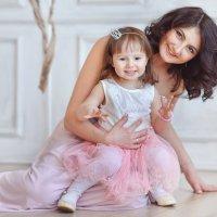 Мама и дочка :: Любовь Белугина