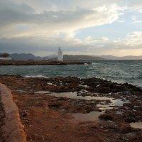 Маяк острова Эгина (Греция). :: Нелли Семенкина
