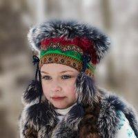 Девочка с яблоком :: Алексей Корнеев