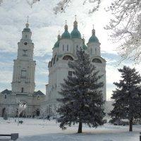 Успенский собор и Причистинская колокольня Астраханского кремля :: Евгения Чередниченко