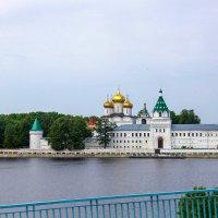 Свято-Троицкий Ипатьевский монастырь в Костроме. :: Владимир Безбородов
