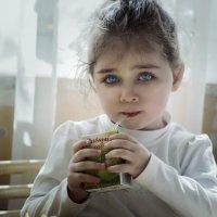 Эти глаза напротив... :: Анна Брацукова